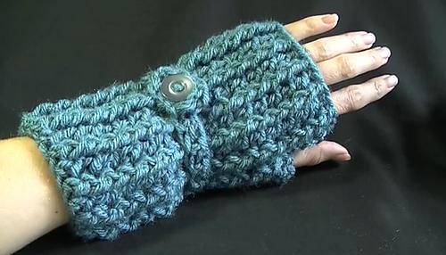Cozy_fingerless_gloves_medium