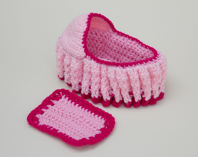 Crochet Pattern Doll : Ravelry: crochet doll cradle purse pattern by bobwilson123