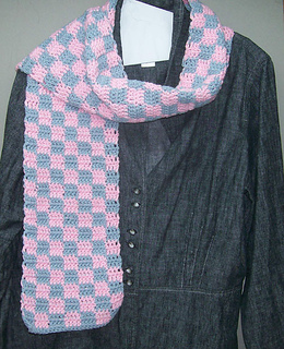 Checkerboard_20scarf_20pink_small2