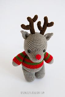 Amigurumi-reindeer-winter-wonderland-airali_small2