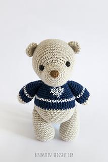 Amigurumi-bear-winter-wonderland_small2