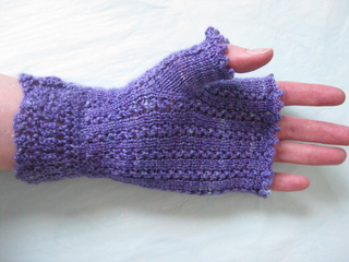 Titania_mitts_and_cowl_005_small2