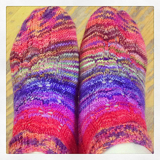 Lacy_summer_socks_finished_pre_wet_blocking_small2