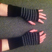 Ash_gloves_small_best_fit