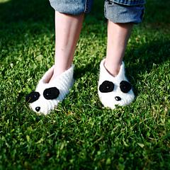 966_panda_slippers_small