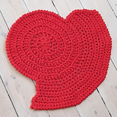 Kvadrat_heart_rug_small_best_fit