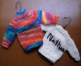 Raglan_sweater_ornament_small2