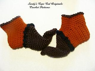 Pumpkin_elf_booties_me_small2