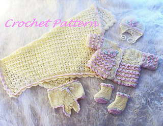 Baby_layette_set_no_baby_2_small2