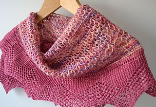 Berry_shawl1_small2