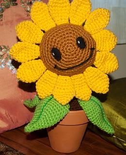 FREE PATTERN Amigurumi Happy Sunflower  JH Winter