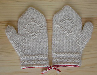Twined_mittens_for_kids_small2