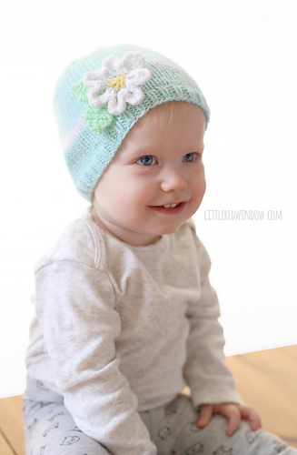Darice_baby_acrylic_yarn_daisy_flower_hat_knitting_pattern_06_littleredwindow_medium