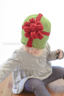 Christmas_present_hat_baby_knitting_pattern_02z_littleredwindow_small2