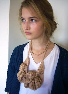 18_ruffle_necklace__6__small2