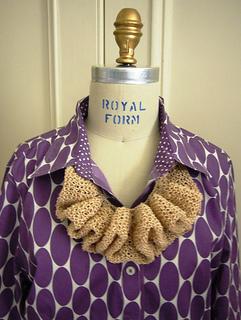 18_ruffle_necklace__8__small2