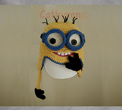 Minion_hand_on_mouth-c_small