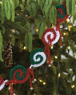 Wr1917_pinwheel_garland_small2