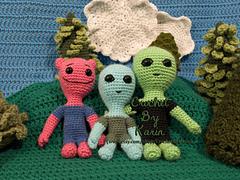 Three_aliensw_small
