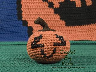 Medium_pumpkin3-w_small2