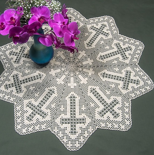 Ravelry Cross Table Topper In Filet Crochet Ft 434 Pattern By