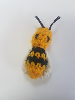 Honey pot bumble bee pattern by Stacy sudhurst