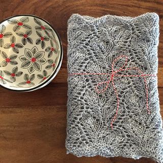 Grey_cowl_bowl_small2