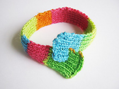 Neon_20looped_20bracelet_2004_small