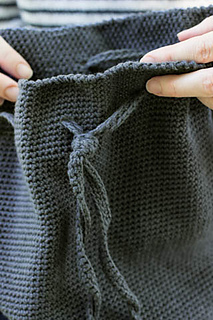 Crocheted Bucket Bag Pattern By Churchmouse Yarns And Ravelry