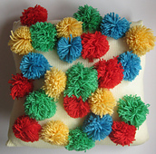 Pompom_cushion_small_best_fit