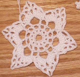 2009_10_jpfun_filet_center_snowflake_065_small2