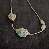 Knitted-necklace-01_small_best_fit