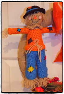 Scarecrow_on_wreath_small2