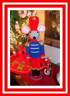 Christmas__mouse_nutcracker1_small2