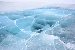 Ice_road_in_the_northwest_territories_-a_small_best_fit