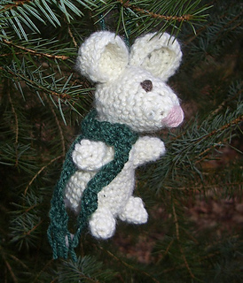 Ravelry pip the mouse christmas ornament pattern by for Knitted christmas bells