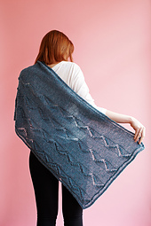 Zigzag_path_shawl_0_small_best_fit