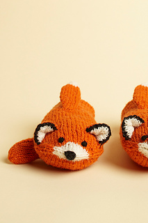 Fox_mittens_1_small2