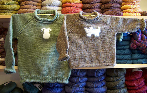 Ravelry Kid S Easy Raglan Sweaters Pattern By Claudia