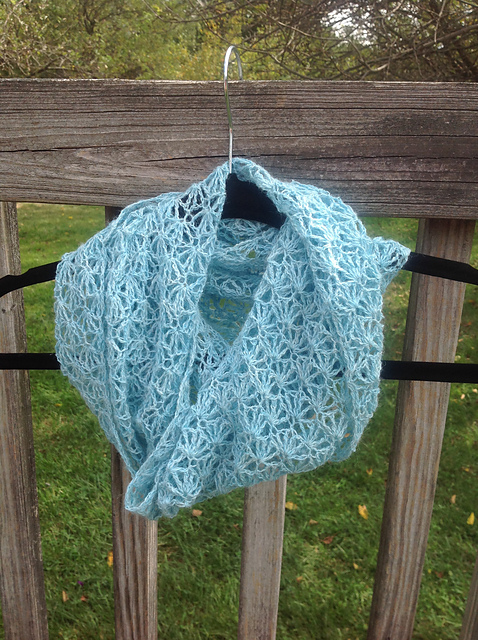 Ravelry Breeze Infinity Scarf Pattern By Undeniable Glitter Alyssa