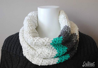 Winter_waves_chevron_cowl_a_free_crochet_pattern_by__cre8tioncrochet_small2