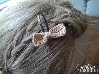 Small_bow_barrette_free_pattern__cre8tioncrochet_small2