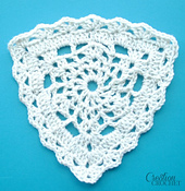 Free_triangle_lace_crochet_pattern
