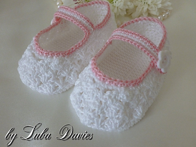 Ravelry: Lacy crocheted baby shoes 6-12 months pattern by Crochet ...