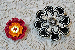 Button_flower_pins_smallest_small_best_fit