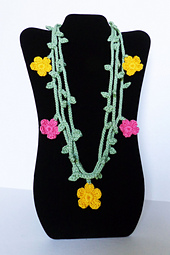 Vine_necklace_3_strands_small_best_fit
