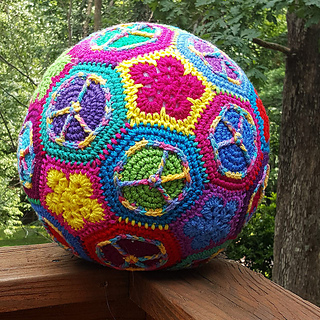 A_crochet_soccer_ball_in_the_wild_small2