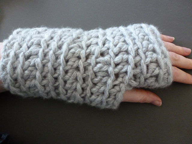 Ravelry Super Chunky Wrist Warmers Pattern By Mary Thomson