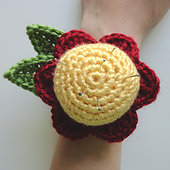 Flowerwristpincushion2_small_best_fit