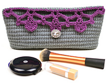 Crochet_lacy_cosmetic_bag_small_best_fit